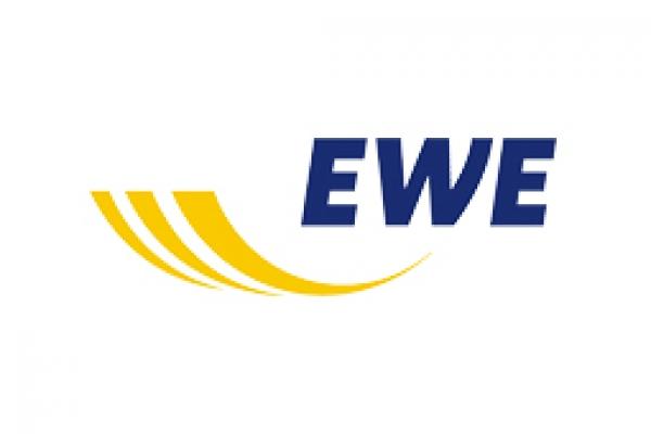 ewe4E4E685F-2584-6F4A-3AFF-577920ED216B.jpg